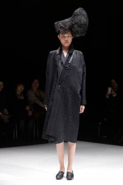 matohu 2013 spring & summer collection look 024