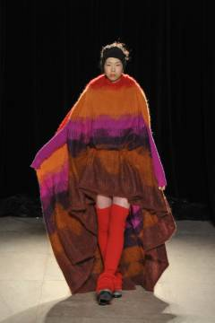 HISUI 2011-2012 autumn & winter collection look 29